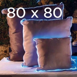 2 Light cushions 80x80